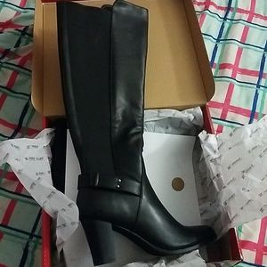 Shoes - Black high boot